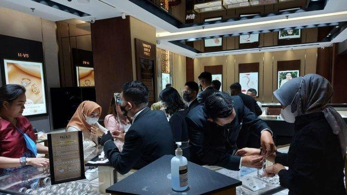 The Palace Mall Panakkukang Edukasi Pelanggan Lewat Diamond Talk