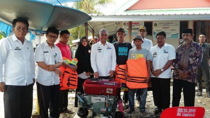 3 Kelompok Nelayan di Lampenai Dapat Bantuan Bupati Luwu Timur