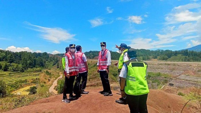 Sehari Jelang Kedatangan Jokowi, Menteri Perhubungan Tiba di Bandara Toraja