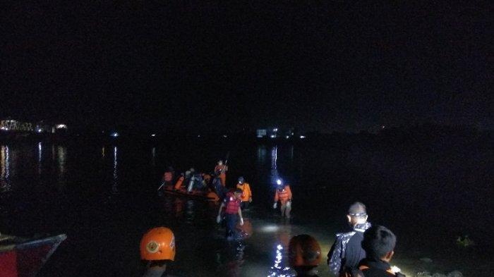 Warga Gowa yang Terjatuh dari Jembatan Barombong Belum Ditemukan