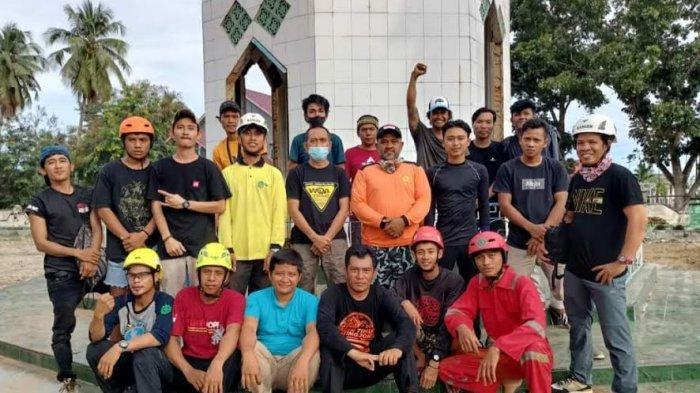 Tim Batara Guru Rescue & Response Indonesia Lutim Terima Jasa Pembersihan Rumah Ibadah, Biayanya?