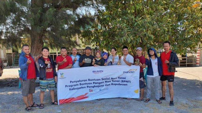 328 Warga Desa Sabalana Pangkep Dapat Bantuan Pangan Non Tunai (BNPT)
