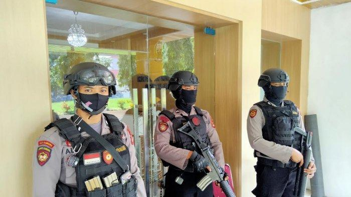 BREAKING NEWS: Tim KPK Geledah Kantor Dinas PU Sulsel
