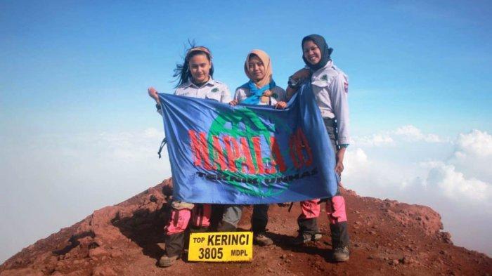 3 Anggota Puteri Mapala 09 FT Unhas Daki Puncak Tertinggi di Sumatera, Begini Kisah Perjalanannya - tim-operasi-puteri-mapala-09-smft-unhas-telah-mendaki-ke-gunung-kerinci.jpg