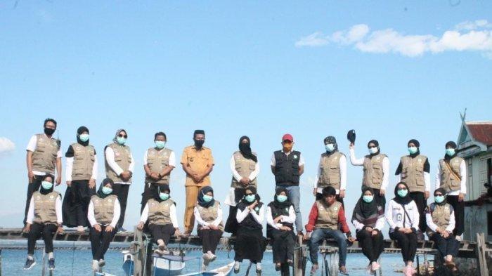 Tim Puskesmas Sabutung yang terjun dalam kegiatan Perahu Sehat Pulau Bahagia
