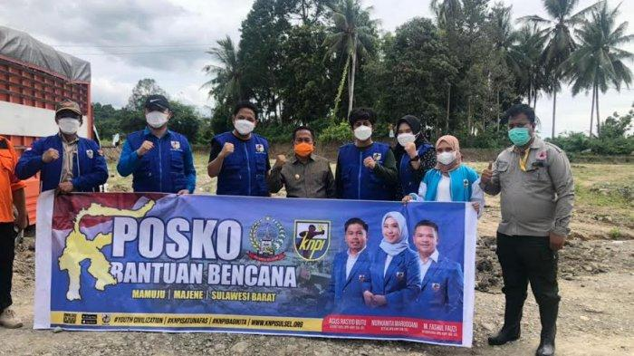 KNPI Sulsel Serahkan Bantuan Korban Gempa Sulbar kepada Bupati Majene