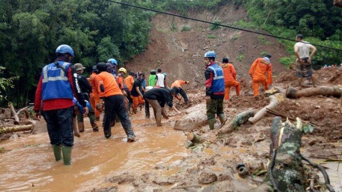 Pencarian Korban Longsor di Desa Rumbia Jeneponto Belum Berhasil