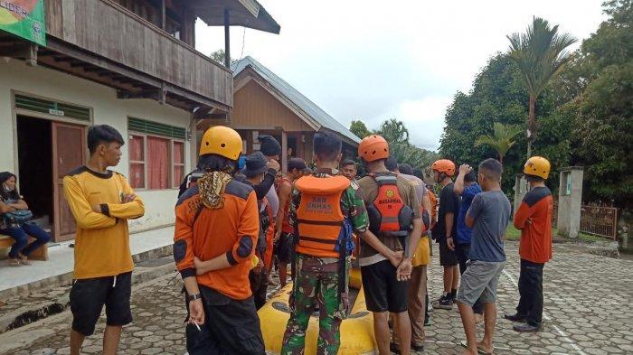 BREAKING NEWS: Tim SAR Lanjutkan Pencarian Korban Lakalantas yang Hilang di Sungai Mamasa