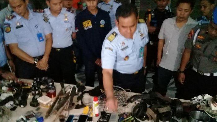 Sidak Rutan Makassar Malam-malam, Tim Kemenkumham Sulsel Dapati Mic Karaoke