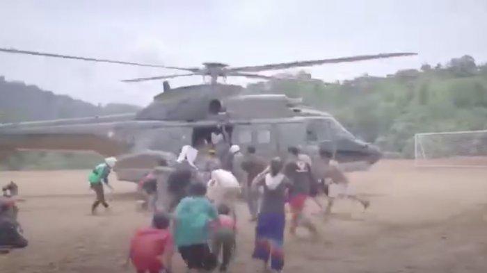 Pakai Helikopter TNI AU, Petinggi Koopsau II Antar Bantuan Korban Gempa di Pulau Karampuang Mamuju