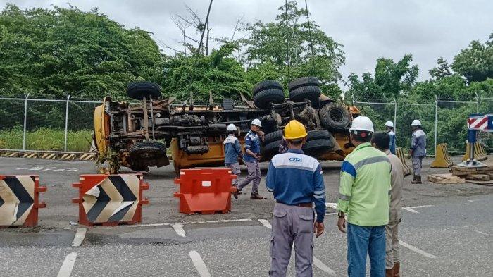 Terjepit, Jenazah Pengemudi Truk Terguling di Banggai 3 Jam Dievakuasi