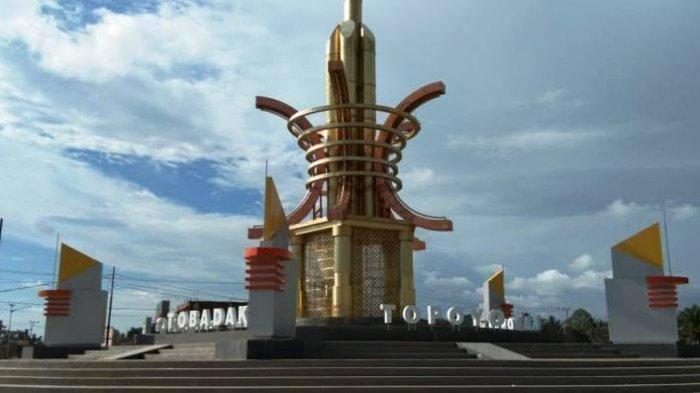TRIBUN WIKI: Jadi Nama Tugu di Mamuju Tengah, Apa Itu Benteng Kayu Mangiwan?