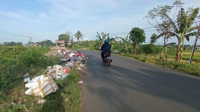 Warga Tenrigangkae Keluhkan Sampah di Jl Poros Kariango Maros