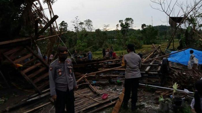 Belasan Rumah di Takalar Rusak Akibat Angin Puting Beliung