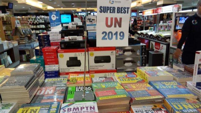 TRIBUNWIKI: Buku Panduan UN 2019 untuk SD, SMP, SMA Ada di Gramedia MaRI, Ini Harganya