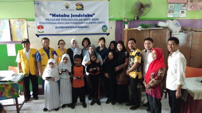 Unimerz Makassar Gandeng Lions Club Adakan Pemeriksaan Mata Gratis
