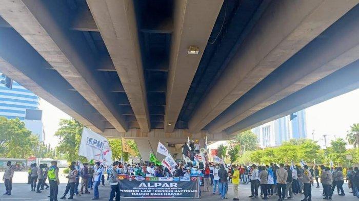 Berlangsung Damai, Unjuk Rasa May Day di Makassar 'Terpusat' di Fly Over dan DPRD Sulsel
