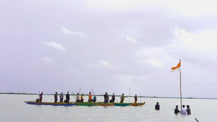 Nelayan Danau Tempe Juga Gelar Upacara HUT ke 76 RI