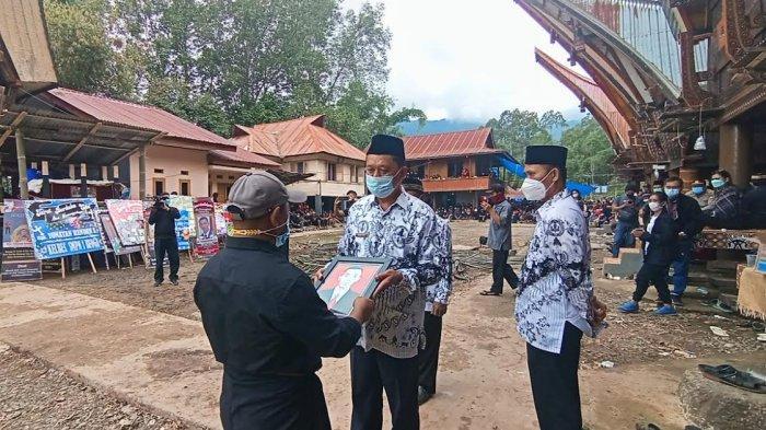 Cara PGRI Toraja Utara Beri Penghormatan Terakhir Yonathan, Korban Penembakan KKB di Papua