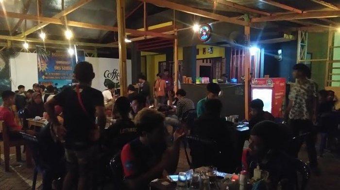 Pemuda Desa Ussu Gelar Turnamen UNS SQUAD di Warkop Bumdes Mattimpa