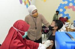 Aliyah Gandeng KAHMI dan HMI, Gelar Vaksinasi di Universitas DIPA Makassar