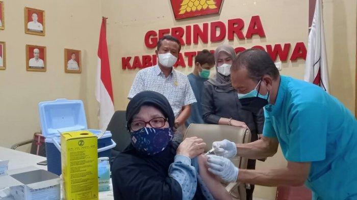 Pemuda hingga Lansia Ikut Program Vaksinasi DPC Gerindra Gowa