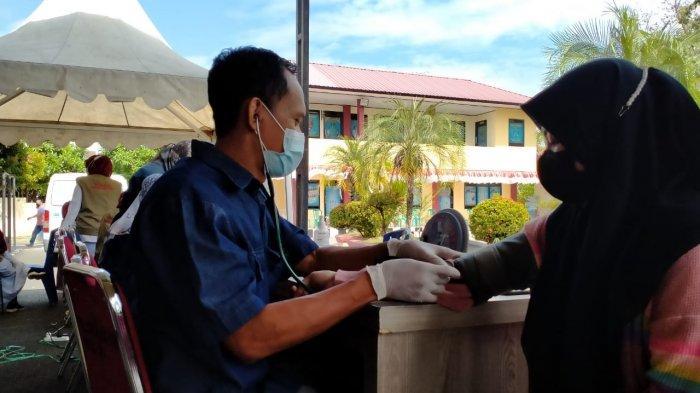 PT Semen Tonasa Turunkan Tim Medis Dukung Kegiatan Vaksinasi Massal Tahap II Polres Pangkep