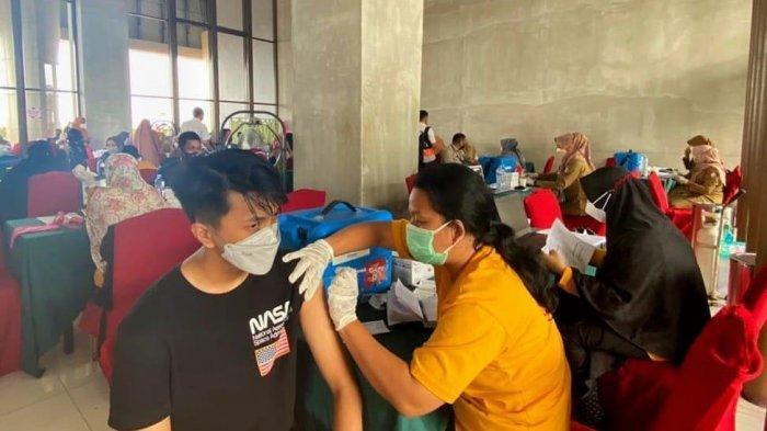 Gejala yang Mungkin Anda Rasakan Setelah Vaksinasi Covid-19