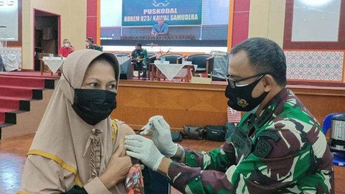 500 Karyawan dan Keluarga PT Semen Tonasa Ikuti Vaksinasi Massal
