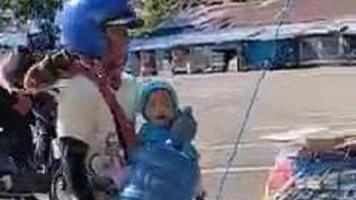 Istri Kerja di Warkop, Warga Parepare Gendong Bayinya Usia 18 Bulan Saat Antar Galon ke Pelanggan