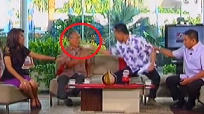 Masih Ingat? Detik-detik Munarman Siram Teh ke Wajah Pengamat saat Debat TV One, Video Viral Lagi