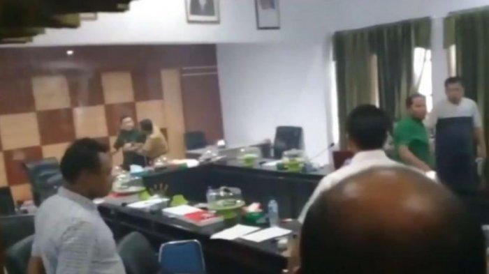 VIRAL! Video Detik-detik Ketua DPRD Cabut Badik, Berikut Kronologi dan Penjelasan Legislator