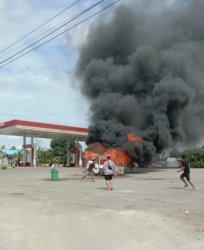 Minibus Hangus Terbakar di Area SPBU Pao-pao Barru