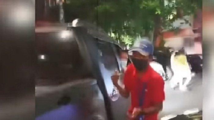 'Ini Mobil Mahal!', Viral Pemilik Mobil Mercy Ngamuk Mobilnya Diserempet saat Parkir di Mal