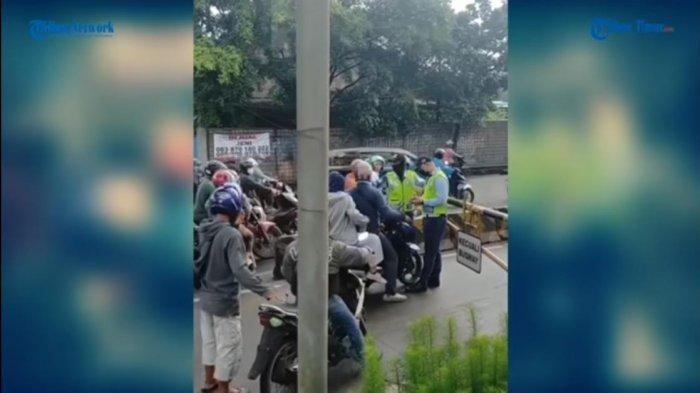 VIDEO: Pemotor Semprot Petugas PT Transjakarta karena Dilarang Masuk Jalur Busway, Kini Dicari