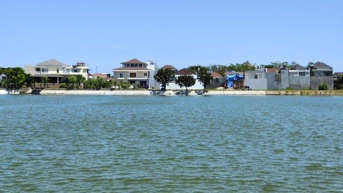 Pinewood Hunian View Danau Tanjung Bunga, Harga Rp 1,9 Miliar