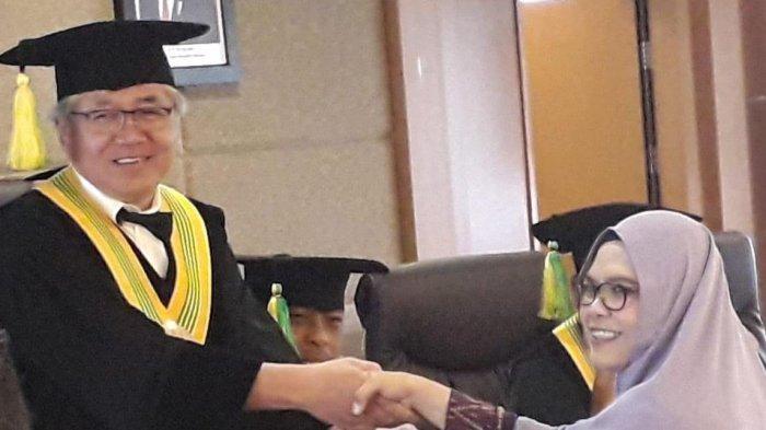 Terobosan Mentan SYL Perkuat Peran Penyuluh Terbukti Efektif Sesuai Riset Mahasiswa S3 Unpad Bandung - vivit-wardah-sidang-promosi-program-doktor-di-bidang-ilmu-komunikasi-di-kampus-unpad.jpg