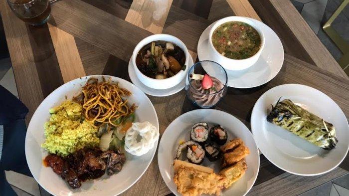 Mercure Makassar menghadirkan event Business Lunch. Ratusan menu nusantara atau tradisional food ada disini