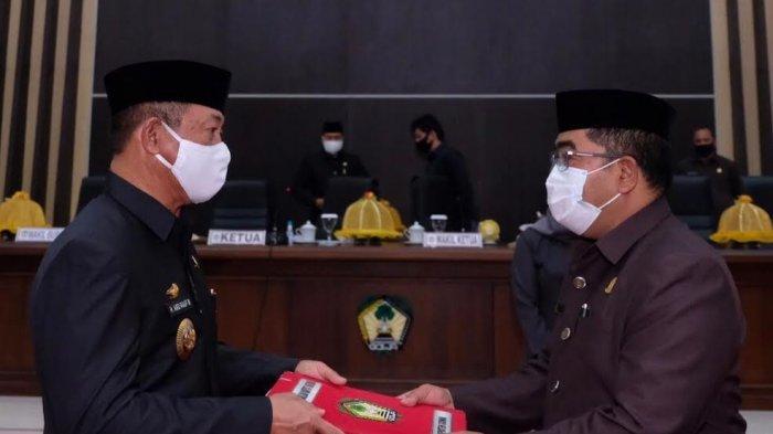 FOTO: DPRD Gowa Sahkan Perda Wajib Masker dan Penerapan Protokol Kesehatan