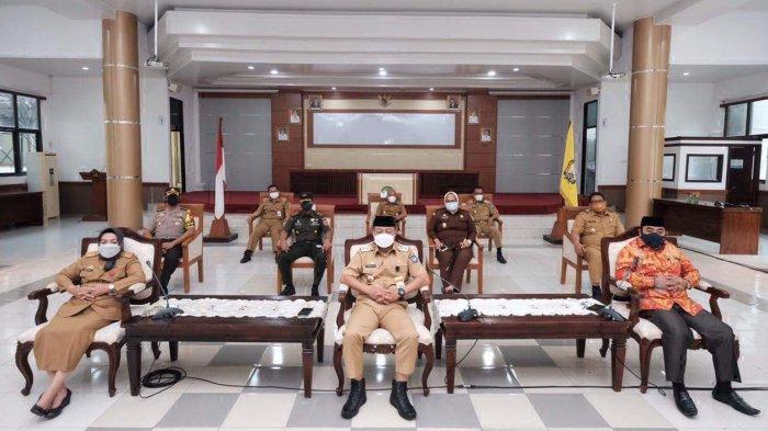FOTO: Wabup Gowa Rakor Virtual Bareng Jokowi