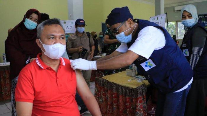 Terima Vaksin Tahap Dua, Wakil Bupati Luwu Timur: Masyarakat Tidak Perlu Takut