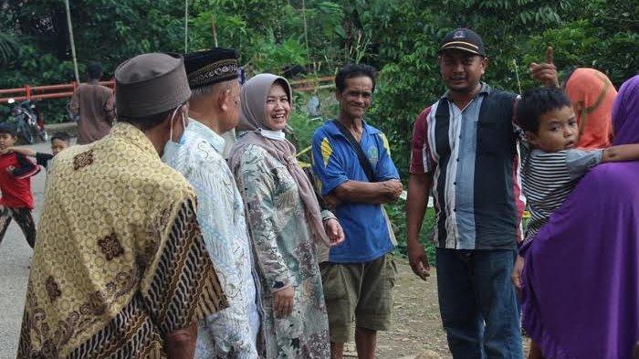 Wakil Bupati Sinjai Temui Korban Longsor di Pattongko