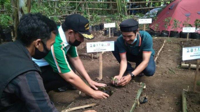 Wabup Haji De'de Apresiasi Penanaman Pohon Komunitas Berkebun Takalar
