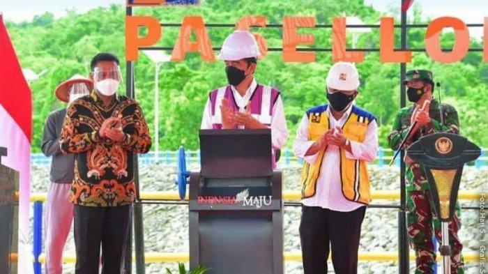 Andi Iwan Aras Dampingi Presiden Jokowi Resmikan Bendungan Paselloreng Wajo