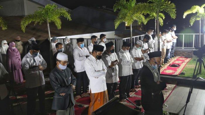 Usai Salat Gerhana, Wali Kota Makassar Bahas Covid Hunter dan Lockdown Warung Kopi