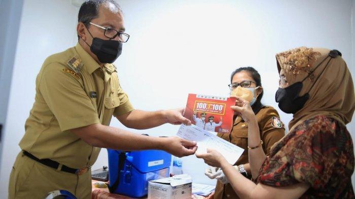Ratusan Warga Antre Ikut Vaksinasi di Kelurahan Mappala Makassar