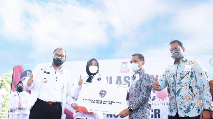 Danny-Fatma Terima Bantuan 5 Ribu Masker untuk Relawan Makassar Recover