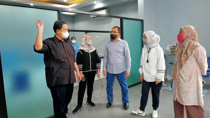 dr Onasis Buka Klinik SWAB AJA di Pettarani Makassar