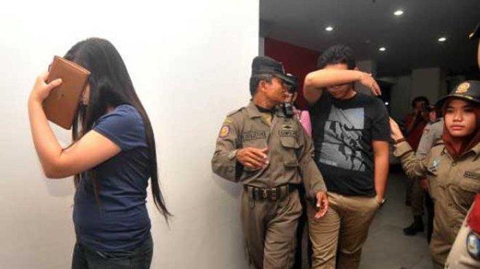 Wanita Bersuami dan Pak RT Kena 'Karma' Setelah Dipergoki Berbuat Dosa, Warga Ikut Terlibat
