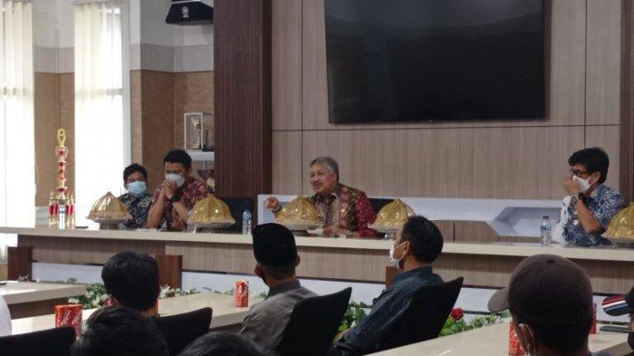 Bupati Pinrang Janji Jalan Poros Basseang Dikerja Pertengahan Tahun 2022
